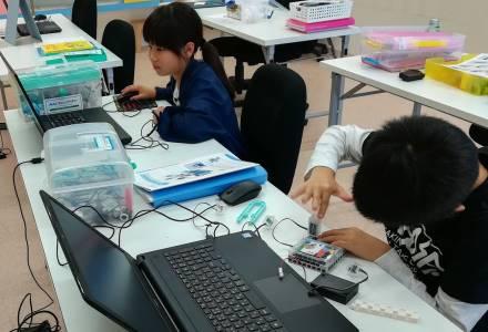 アルファーデータジュニア倶楽部 ロボットプログラミング教室