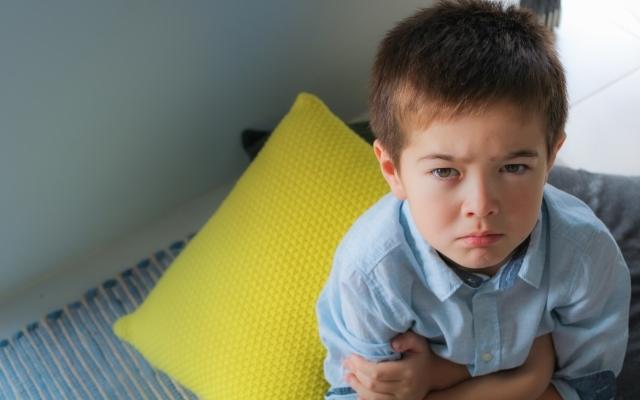 小学生の中間反抗期はいつまで?原因やひどいときの対応、疲れた親の ...